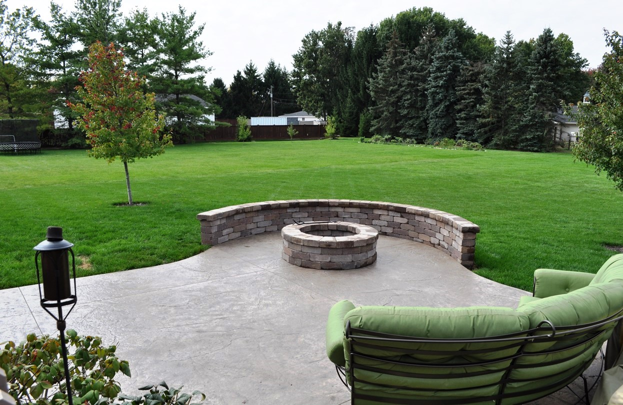 2b Patio Textured Old Granite, Mocha, Autumn Brown, Tumbled Rustic Rock Wall and Firepit 2.jpg