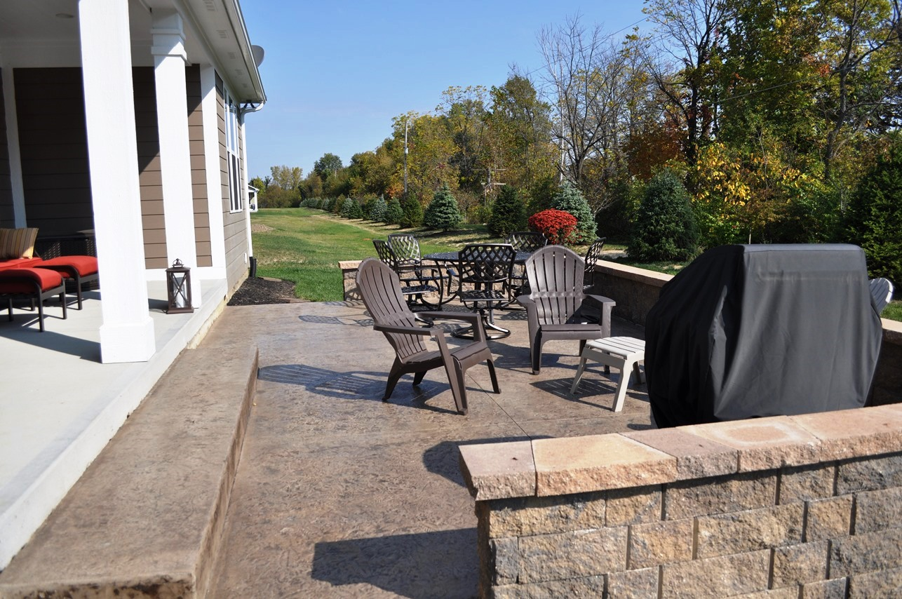 2c Patio, Textured Forest floor, Mocha, Dark Walnut, Retaining Wall Hickory.jpg