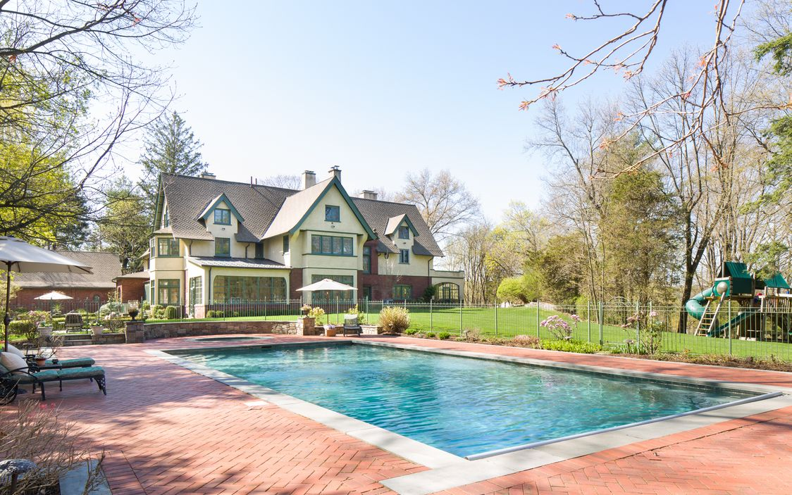 Back:Pool View Dobbs Ferry House.jpg