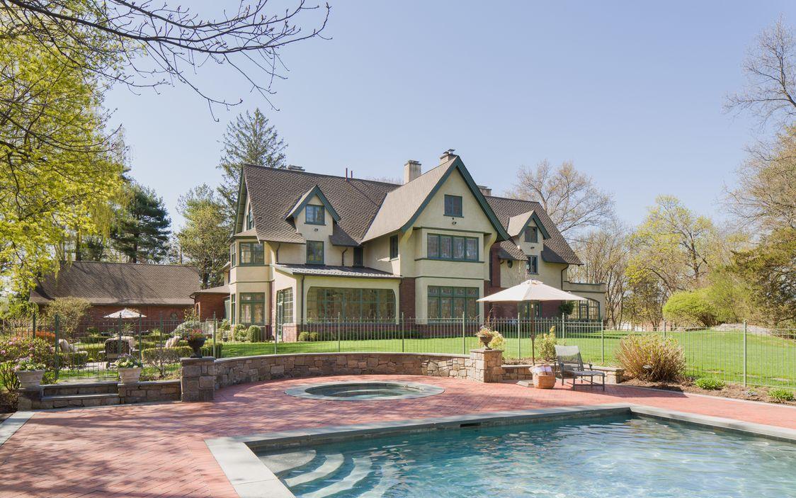 Pool:Jacuzzi Dobbs Ferry House.jpg