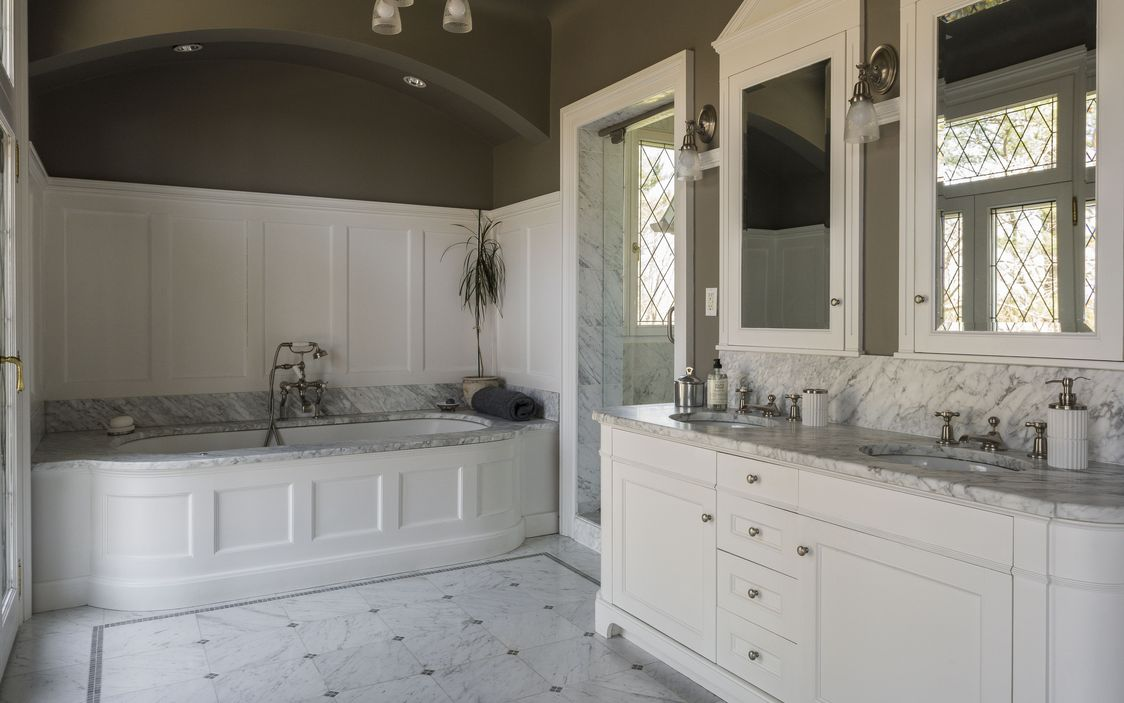 White Marble Bathroom Dobbs Ferry House.jpg