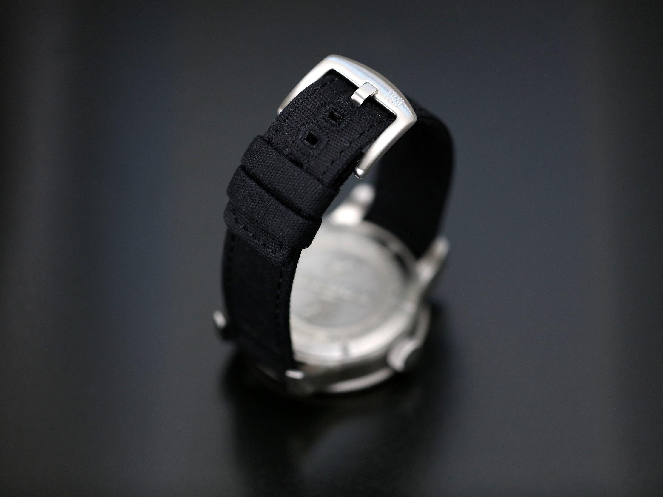 black1.jpg