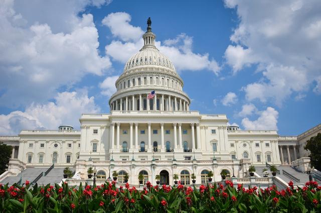 2014-12-08-us-capitol-generic-shutterstock.jpg