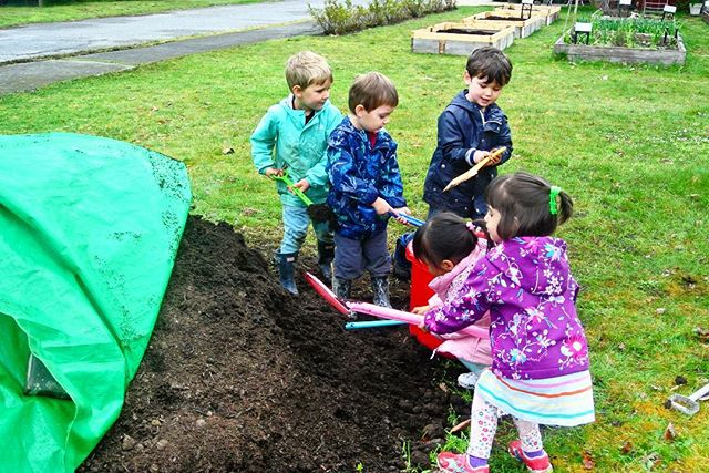 All students of University Hill Preschool help out when it's time to prepare the garden for spring. Everybody needs to pitch in and we all work together. This teaches the value of teamwork and delicious, wholesome food grown right in our own backyard. Interested in enrolment? Register today on our website. Secure your spot for the 2019-2020 school year now!