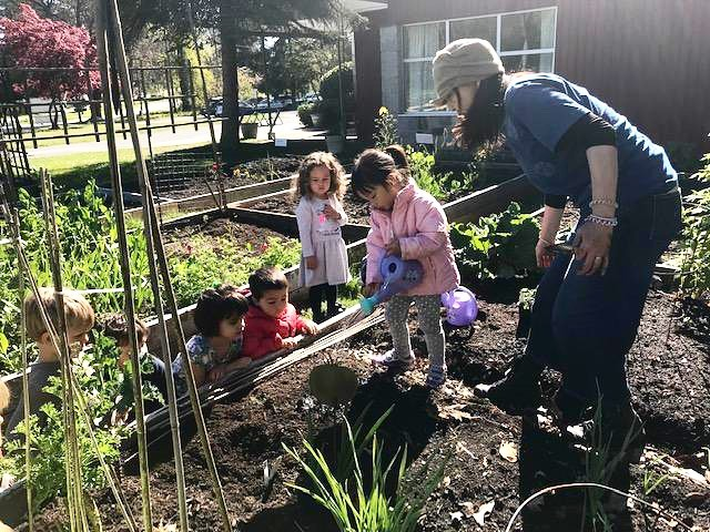 University Hill Preschool is growing! The 2019-2020 school year still has a few spaces available for your three and four year olds! Haven't found a preschool with experienced teachers yet? Still looking for a preschool in a beautiful, natural setting? Look no further! Classes start soon! Register today!