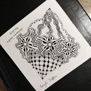ToffeeTangle-FlowerPattern-ZentangleStepOut