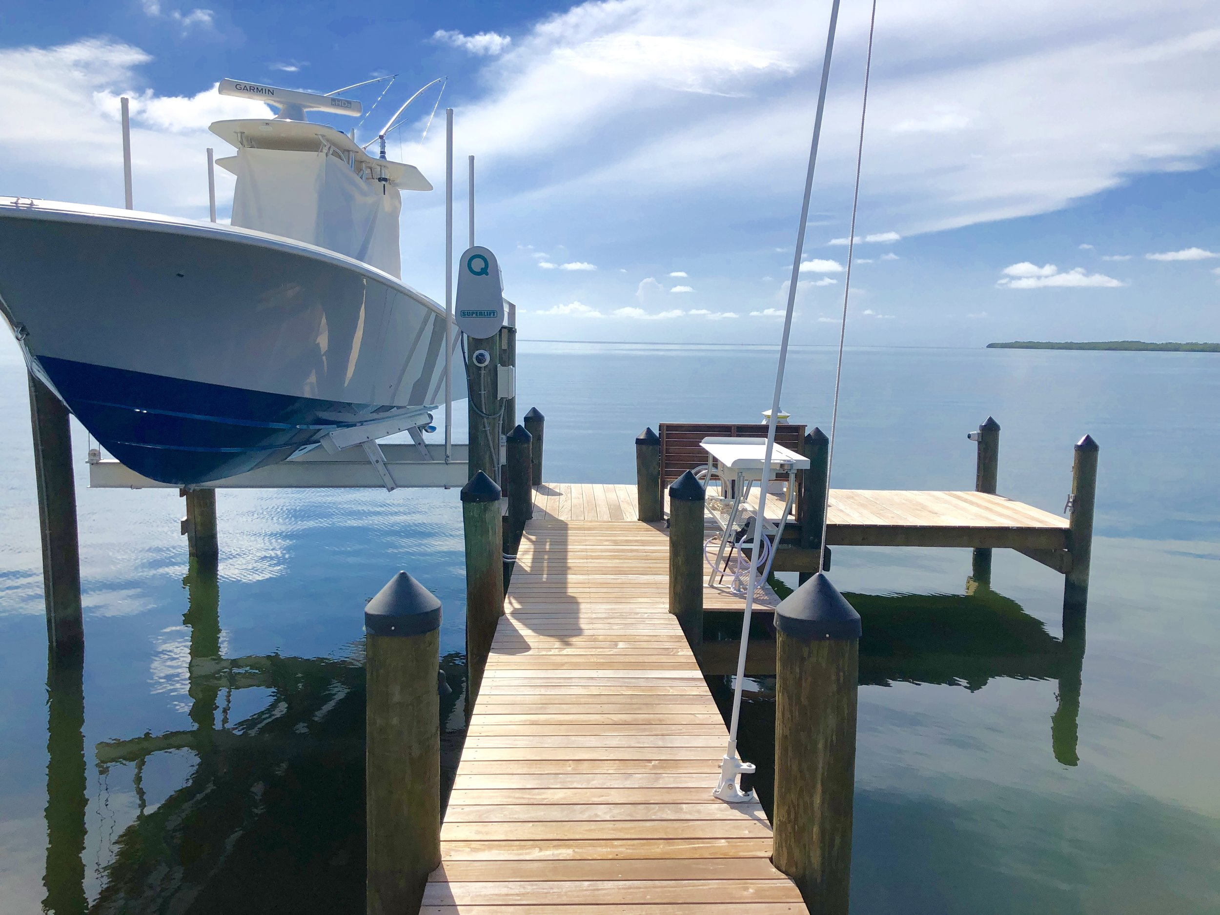 Dock and boat lift in Tavernier, Florida
