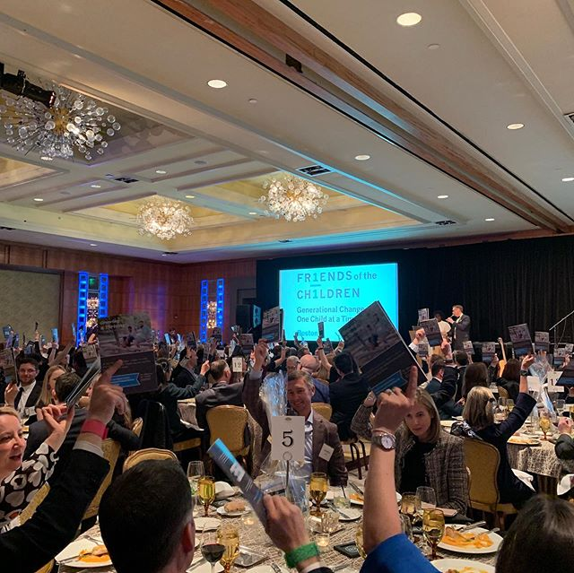 Honored to have played a tiny part in making last nights @friendsboston Friend Raiser such a success! It was a truly inspirational night with an incredible organization helping children and families in Boston.  Shout out to all of the generous donors and attendees in the room for raising your paddles! Total auction #goals last night! 👏🏼👏🏼