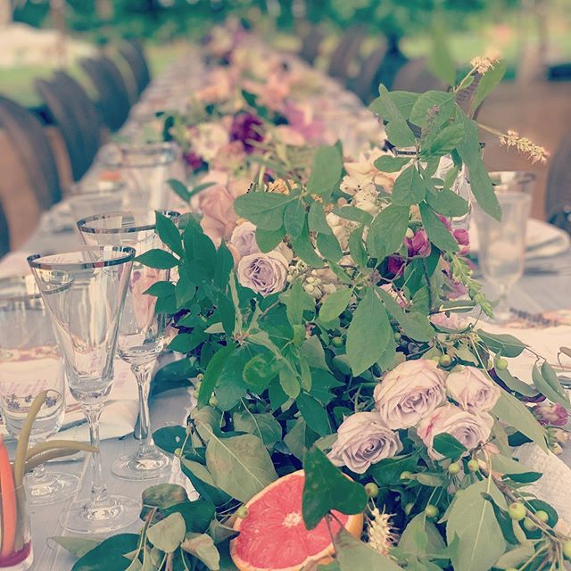 The most beautiful table there ever was #bostonplannersdiningclub  @saltboxfarm  @wilddahlia_  @peakeventservices