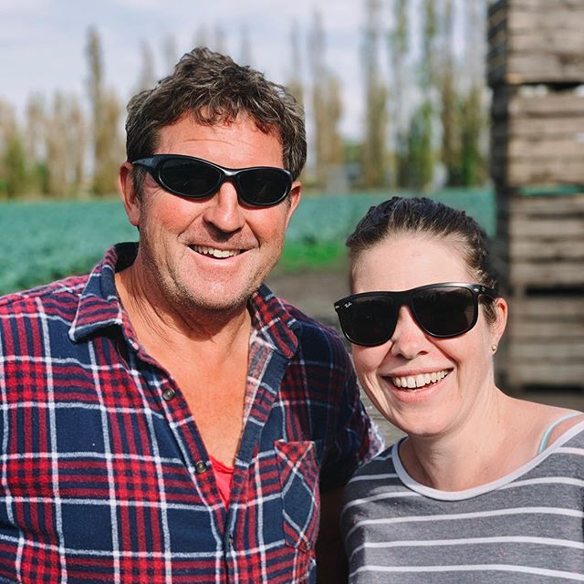Meet Geoff from Black Gold Organics (with @melbourneholli). He is one if the nicest people you're ever likely to meet. Lately, he has been providing celery and zucchini for our boxes - with corn and broccoli on the way.  It's emoji time 🌽🥦🌽🥦🌽🥦🙌👏👍 #certifiedorganic #organic #parkigrocer #supportlocal #supportlocalfarmers