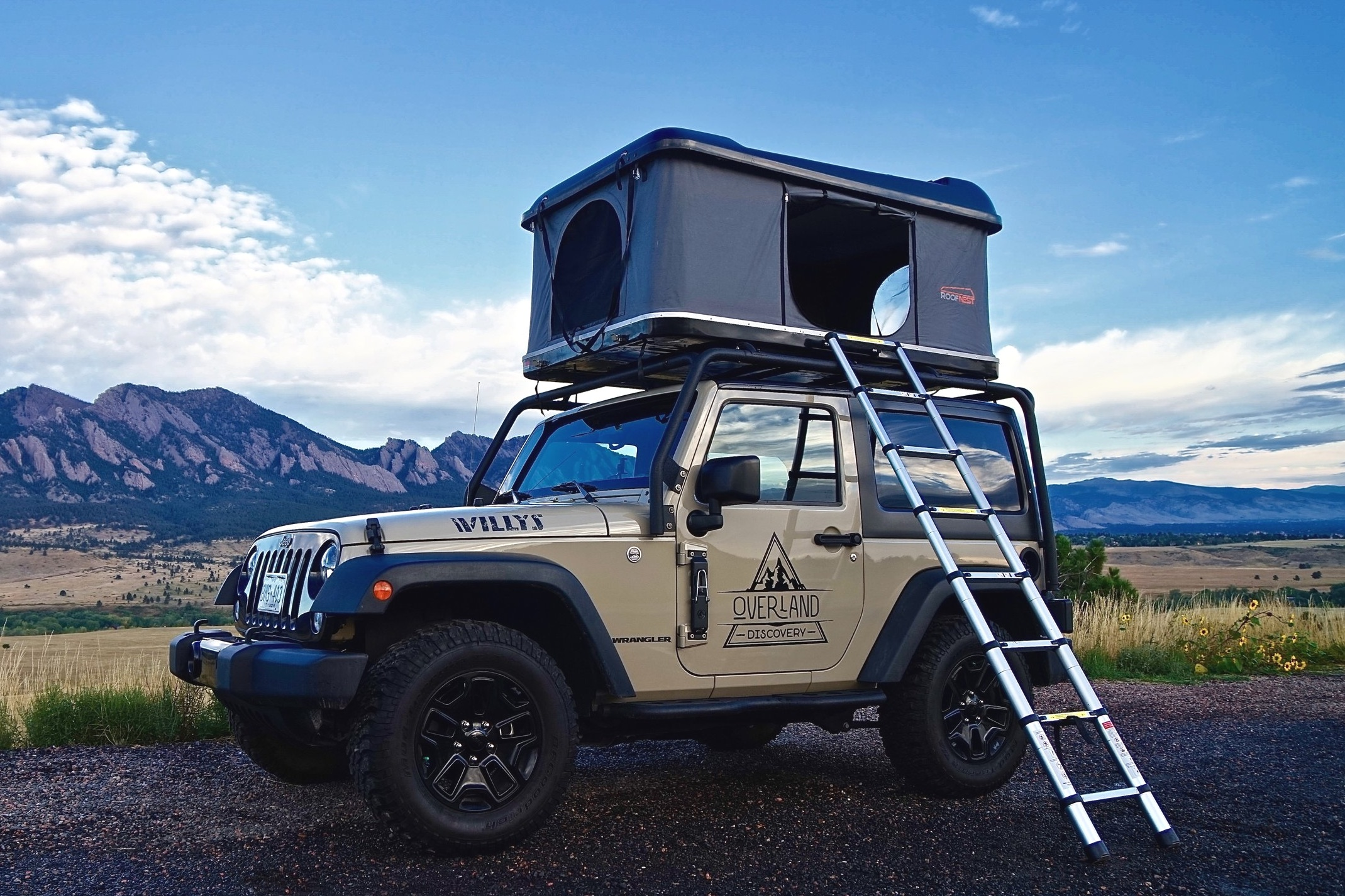 2-door Jeep Camper Rental w/Roof Top Tent