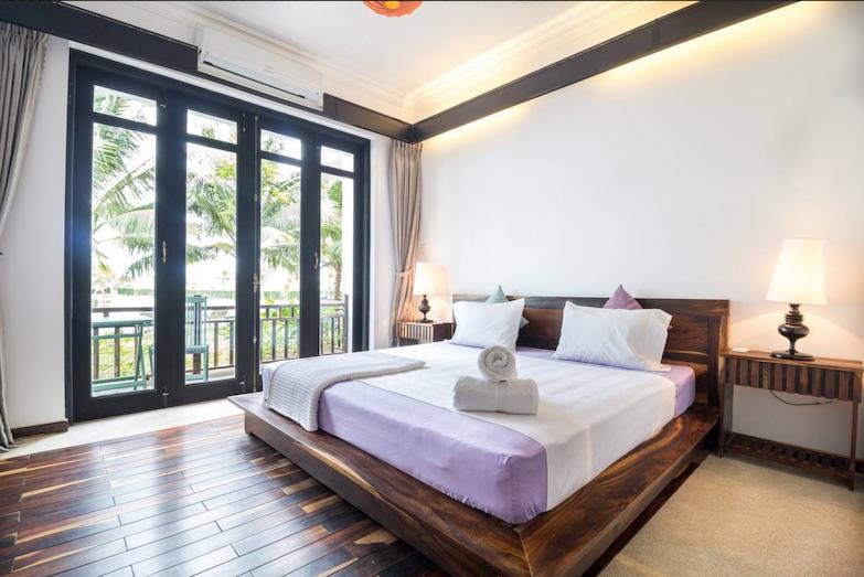 Organic-Yoga-Healthy-Food-Tra-Que-Bedroom.png