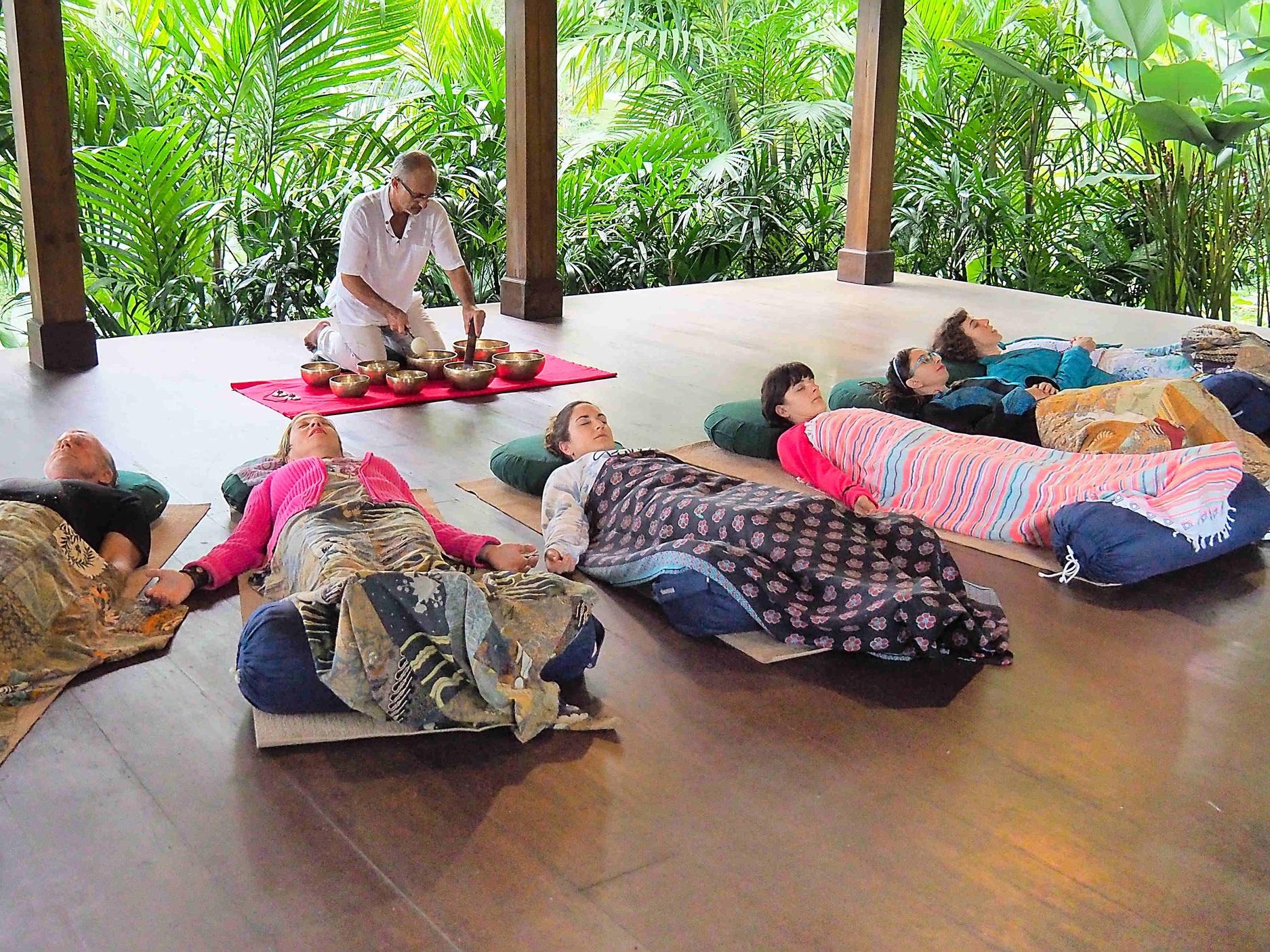 nigel-rowles-sound-bowl-group-meditation
