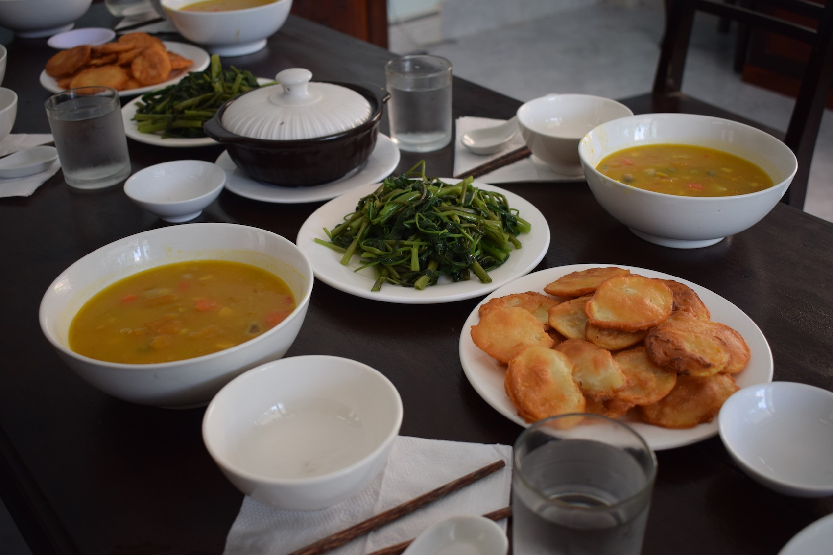 mindful-living-meditation-retreat-cham-island-hoi-an-food.jpg