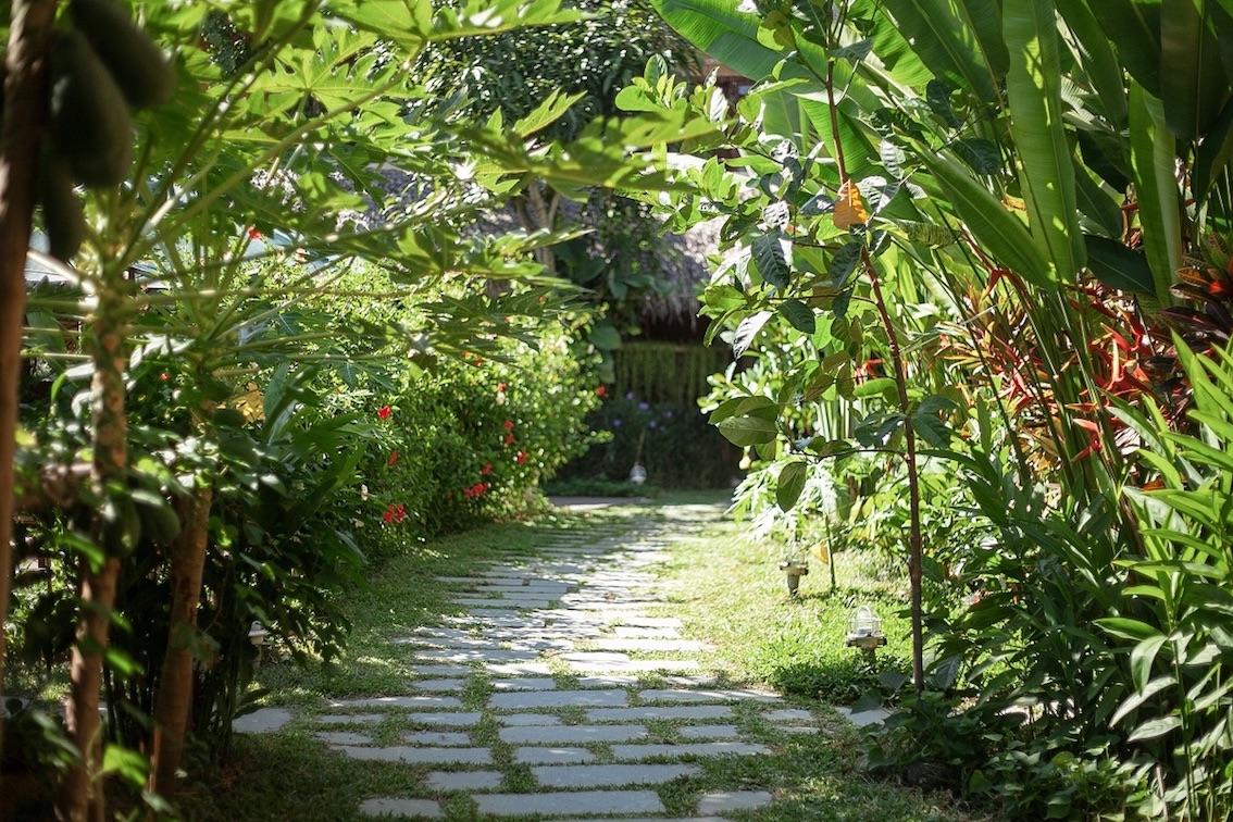 an-villa-walkway.jpg