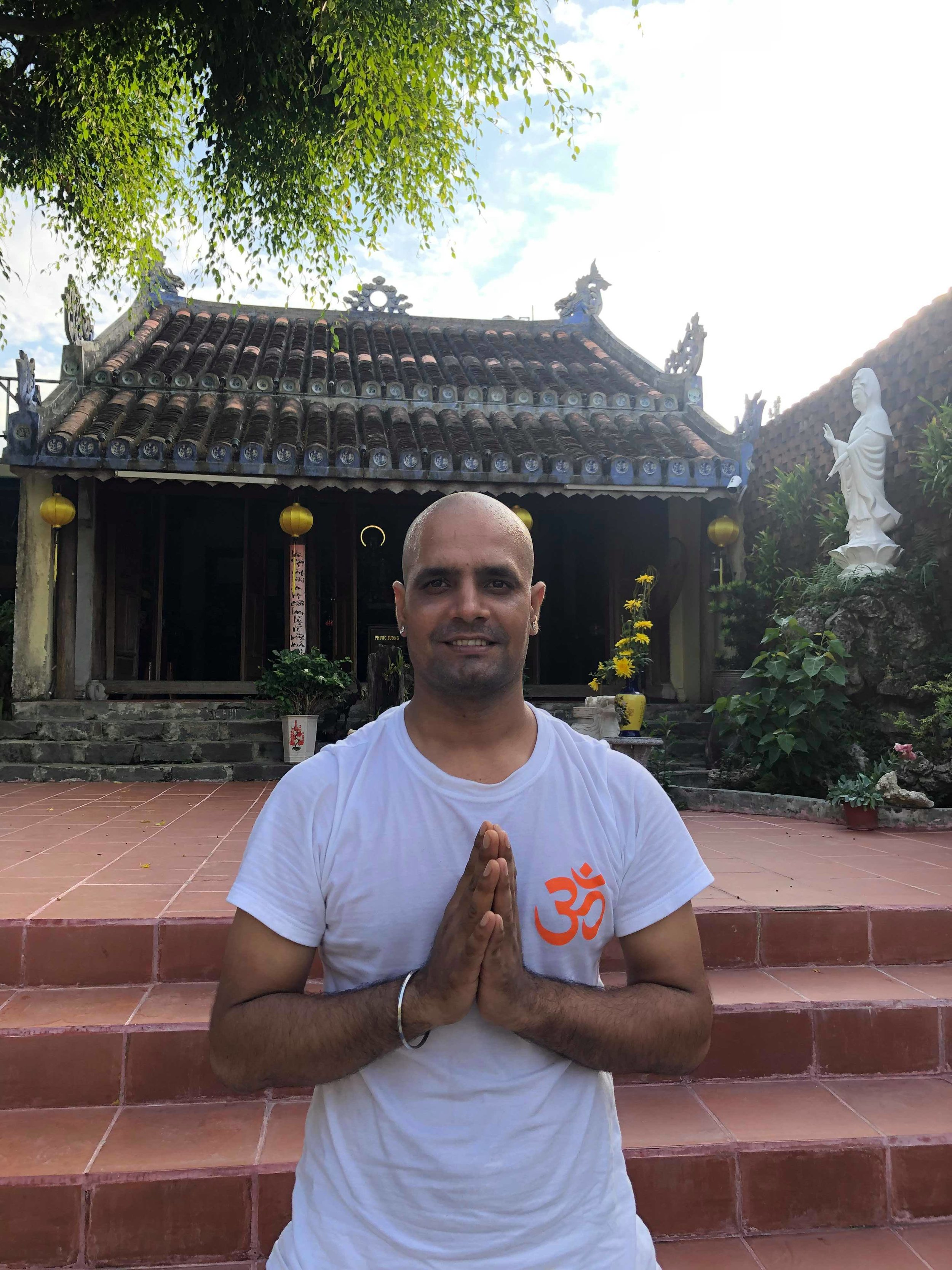 Yoga-Teacher-Rahul-Chamoli