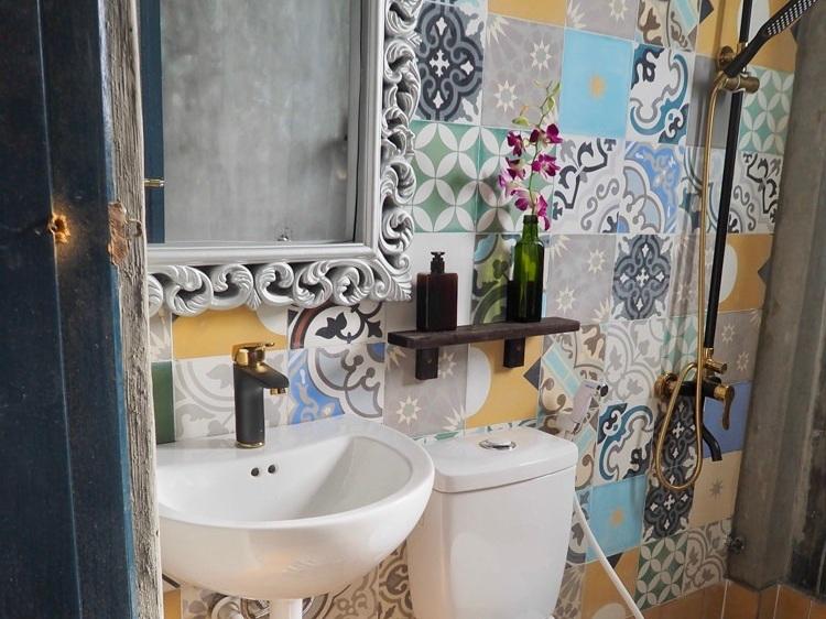 Bathroom+Gratitude+Vietnam+Retreat+Venue+2.jpg