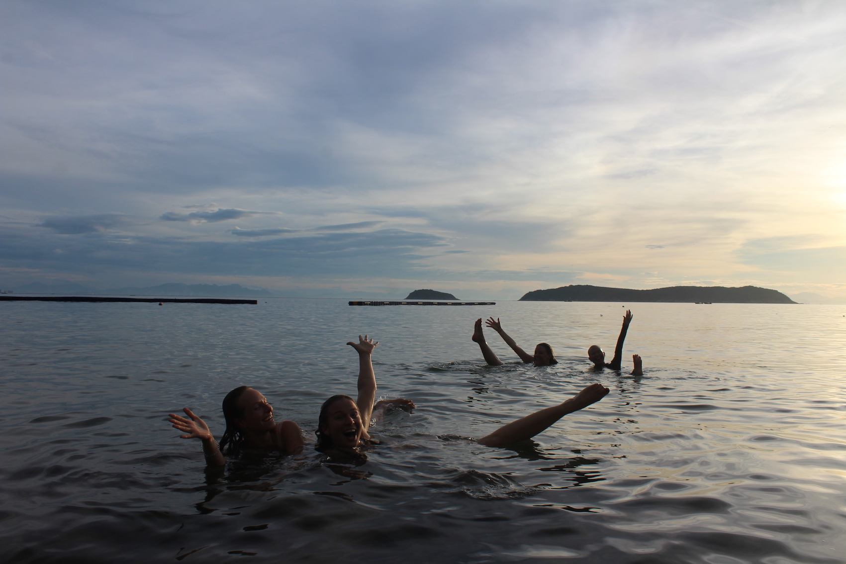 island-smiles-yoga-retreat-swimming.JPG