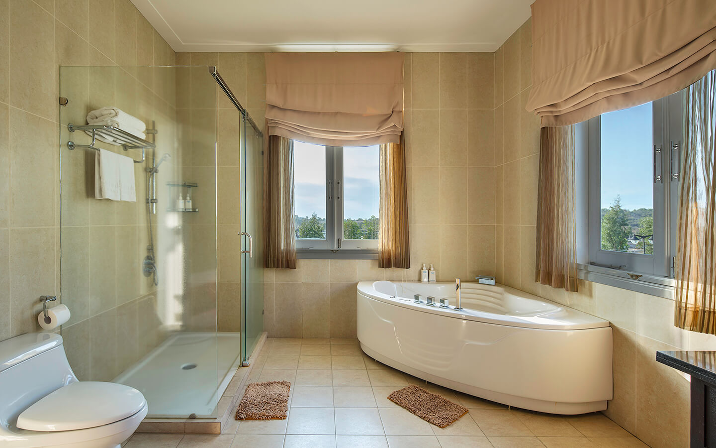 sea-links-villa-bathroom.jpg