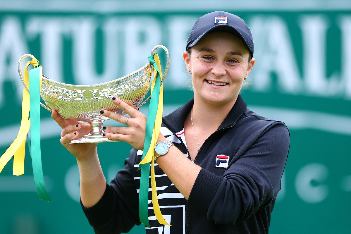 Ash wins the Birmingham Classic to become the World's Number 1 Female Tennis Player