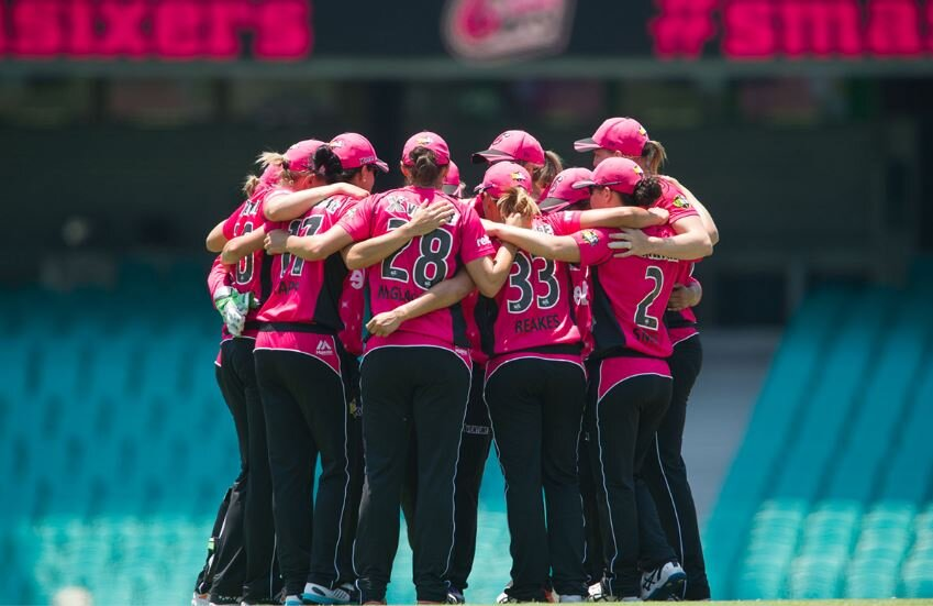 The WBBL Sydney Sixers is proving to be a very cohesive team and are reaping the benefits by retaining their talent and getting great results. Image:  https://www.sydneysixers.com.au/news