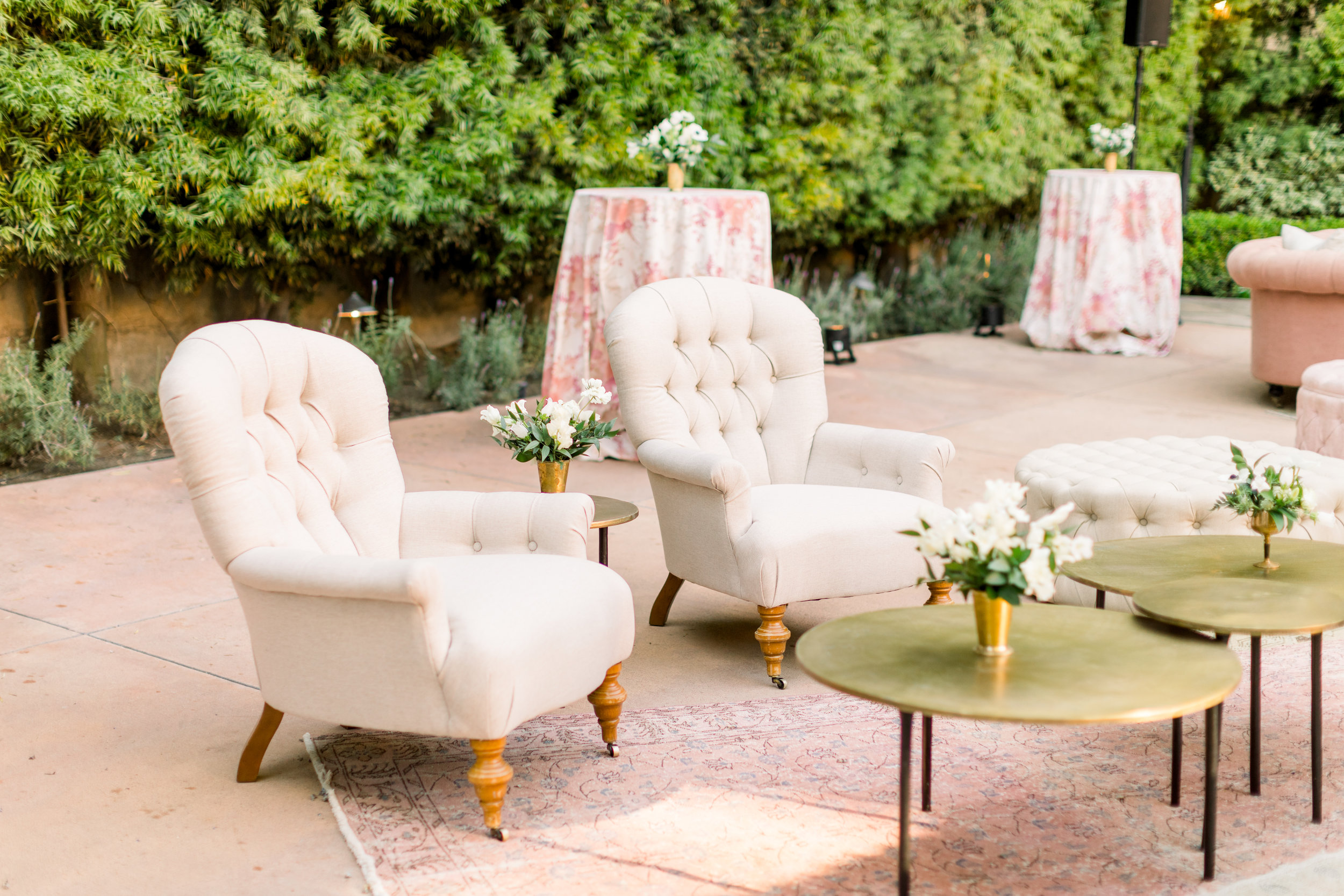 elegant-furniture-wedding-rentals