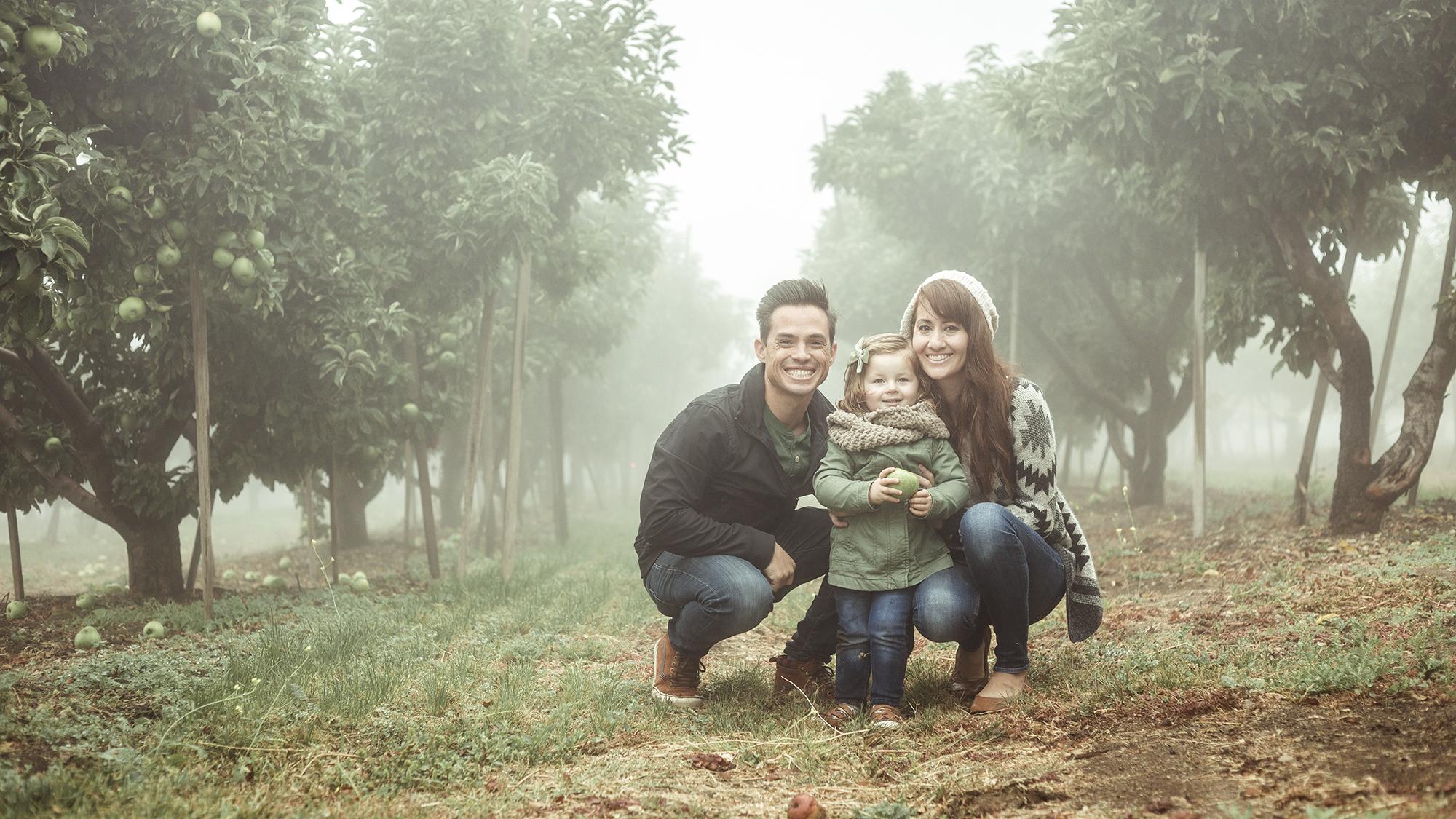 Apple Picking - Riley Los Rios Oak Glen-6.jpg