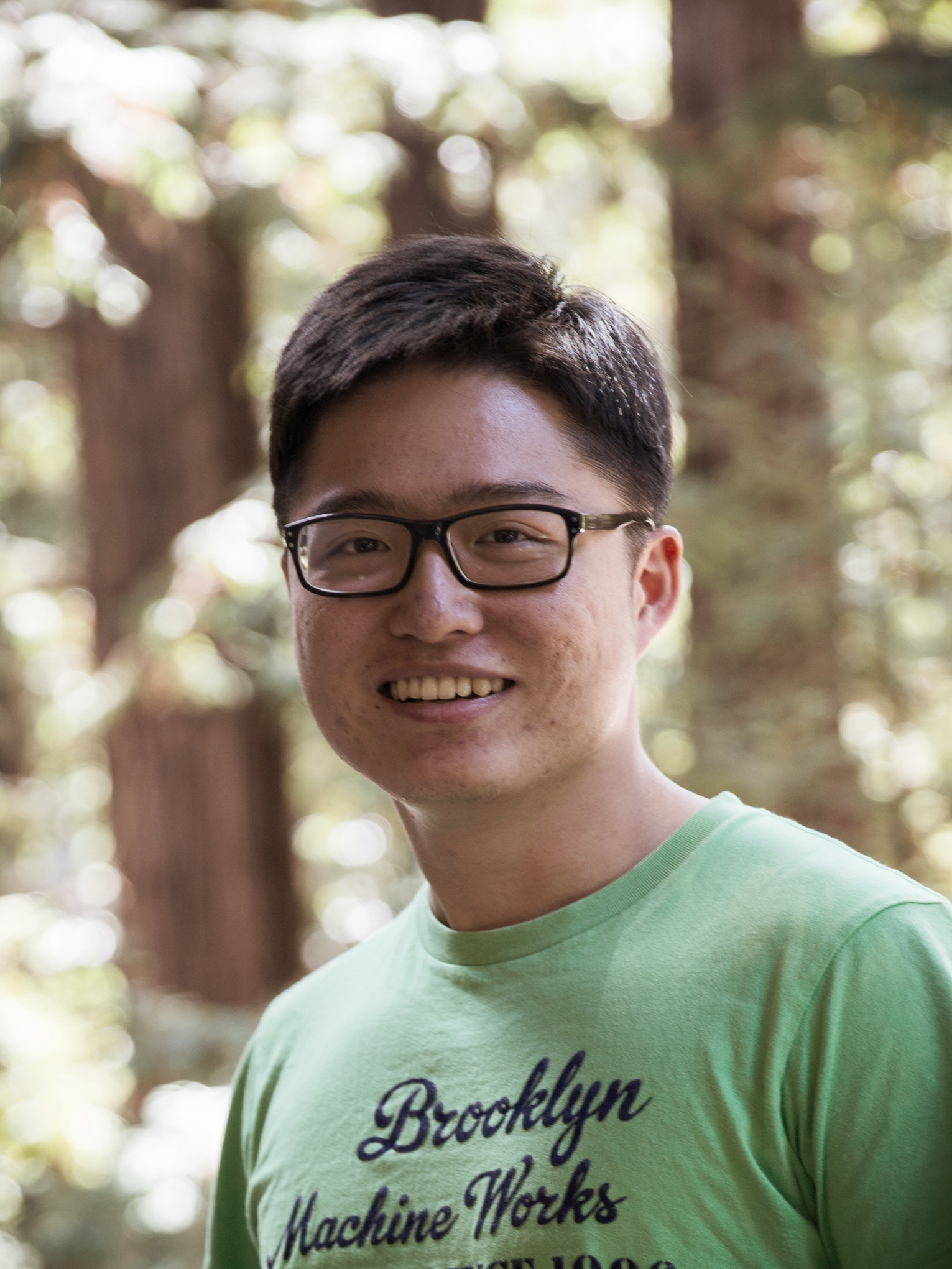 Yixiang (Louis) Li (Elect. & Comp. Eng.)  Yixiang received his  B.Sc. (2012)  and  M.Sc. (2015)  from  Wuhan University in Physics  and now pursuing his  PhD in Electrical & Computer Engineering at UCSC . His research is currently focused on the fabrication and characterization of surface acoustic wave(SAW) devices, microfluidics systems, and its applications. He is presently working on multifunctional SAW device by incorporating phononic crystal into microfluidic systems.