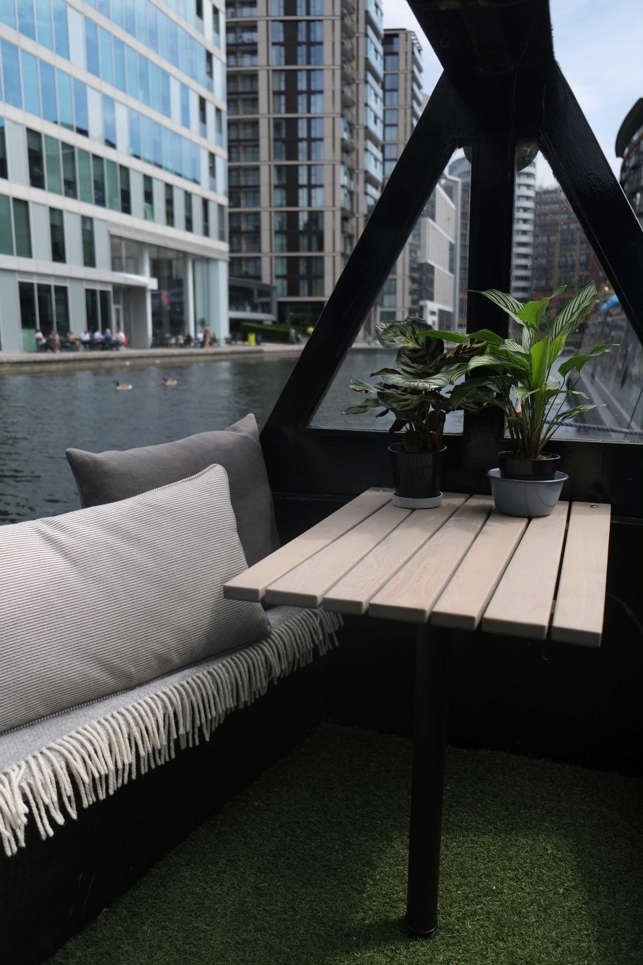 lunarlunar_interior_design_canal_boat_small_space_garden.jpg