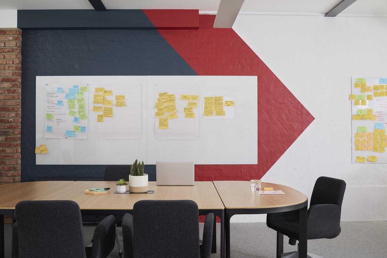 lunarlunar_interior_design_office_modern_good_innovation_arrow wall_magnetic_board.jpg