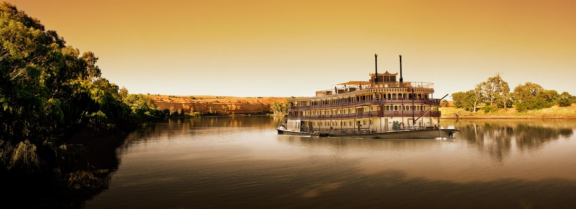 Paddle steamer on the Murray River