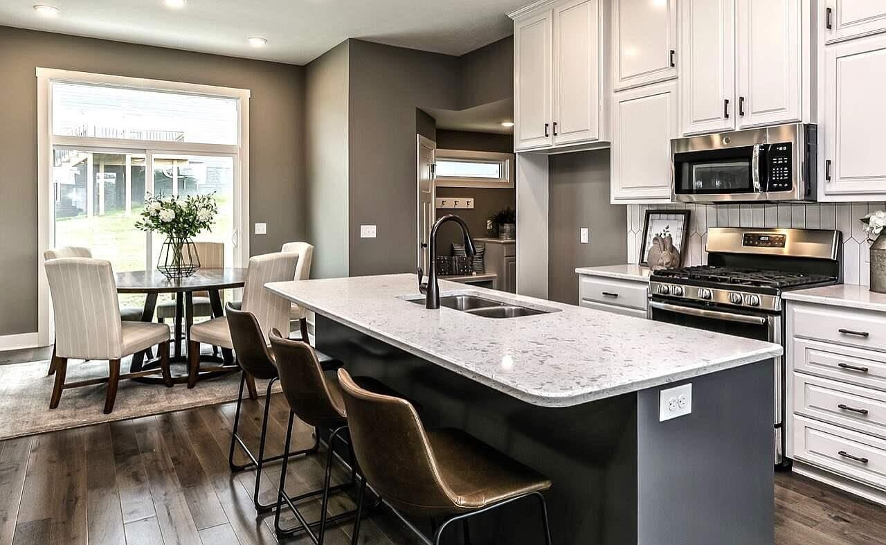 Build. - As a custom home builder, we can take your ideas and inspiration to create the home of your dreams. Craftsmanship, collaboration, and attention to detail all combine to build a one of a kind home.