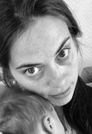 """Tonje Hemre Sæthre  Forfatteren bak boken """"Helsedikt for barn"""". Helsedikt er hennes bidrag for å trygge både små og store i møte med ulike helsesituasjoner. Hun er utdannet sykepleier og pedagog og har jobbet som sykepleier og lærer. Hun er oppvokst og bosatt i Bergen by, sammen med sine tre barn, to bonusbarn og mannen i sitt liv.  Les mer om boken   Instagram:   @thiswhatyousee   Facebook   """"Det hun sa""""- Tonje H S   Twitter:   @tonjehsathre"""