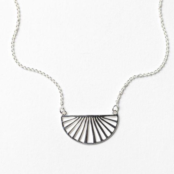 Southern Gates Fan Necklace