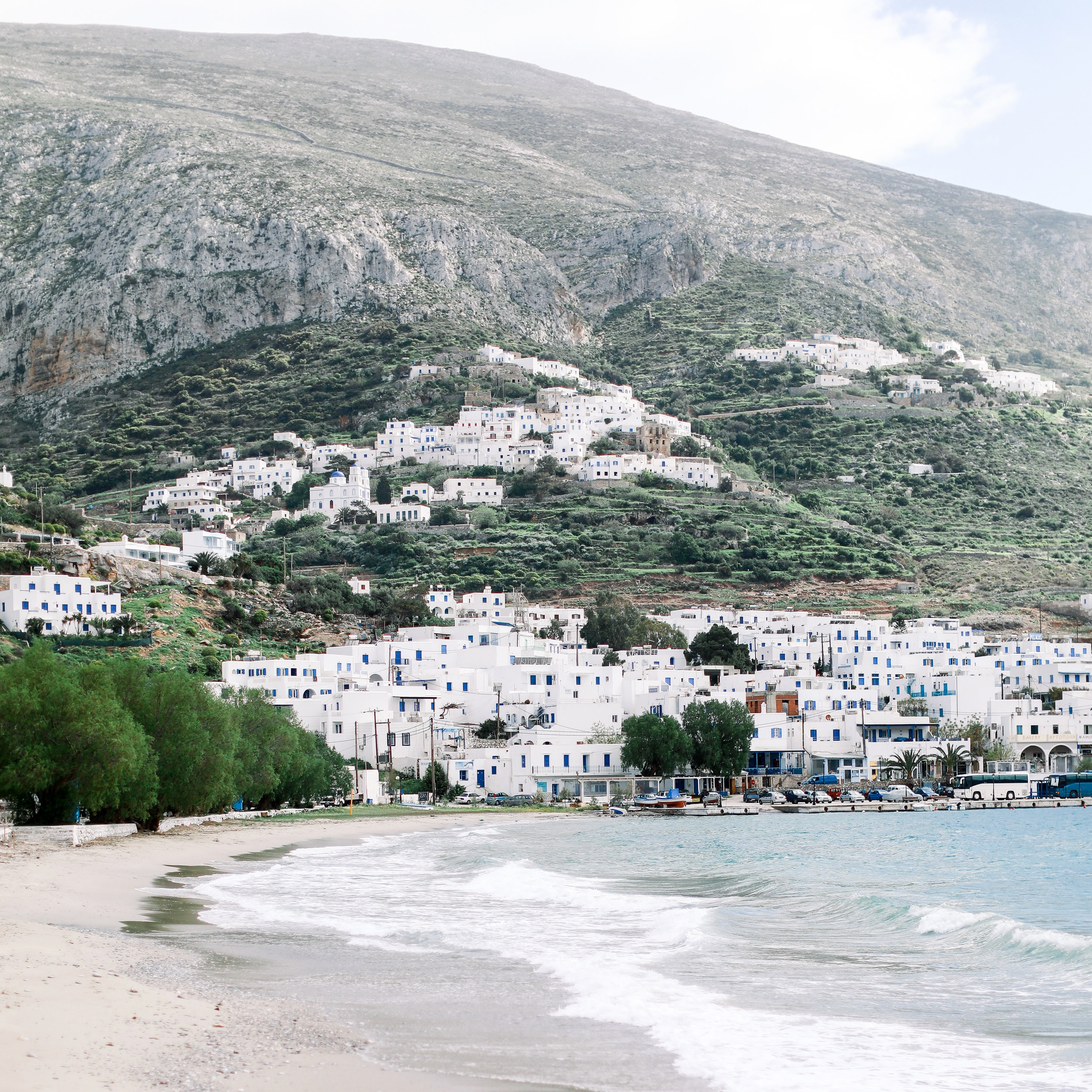 WHERE IS IT?  Known for its beautiful energy and zen-like vibes, Amorgos island is the home Elysia Yoga Convention. As the easternmost island of the Cyclades, Amorgos is a hidden gem away from all the hustle and bustle, a special place where you can connect with nature and find tranquility. With plenty of hiking tracks and beautiful beaches to explore, this island is the perfect oasis for yoga and self-discovery. And whilst you will explore the natural beauty of the island, you can indulge in complete luxury at Aegialis Hotel & Spa, the official venue of the convention. The 5 star establishment offers sea views from each room, elegance and comfort. Known as a top yoga destination in the world, Aegialis hotel & spa offers 6 beautiful yoga shalas and 2 rooftop areas outdoor yoga and meditation.