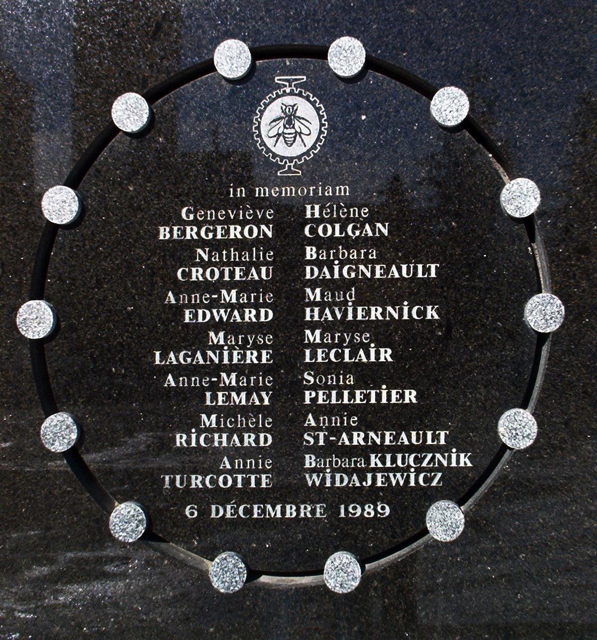 Plaque à la mémoire des victimes de la fusillade de Polytechnique