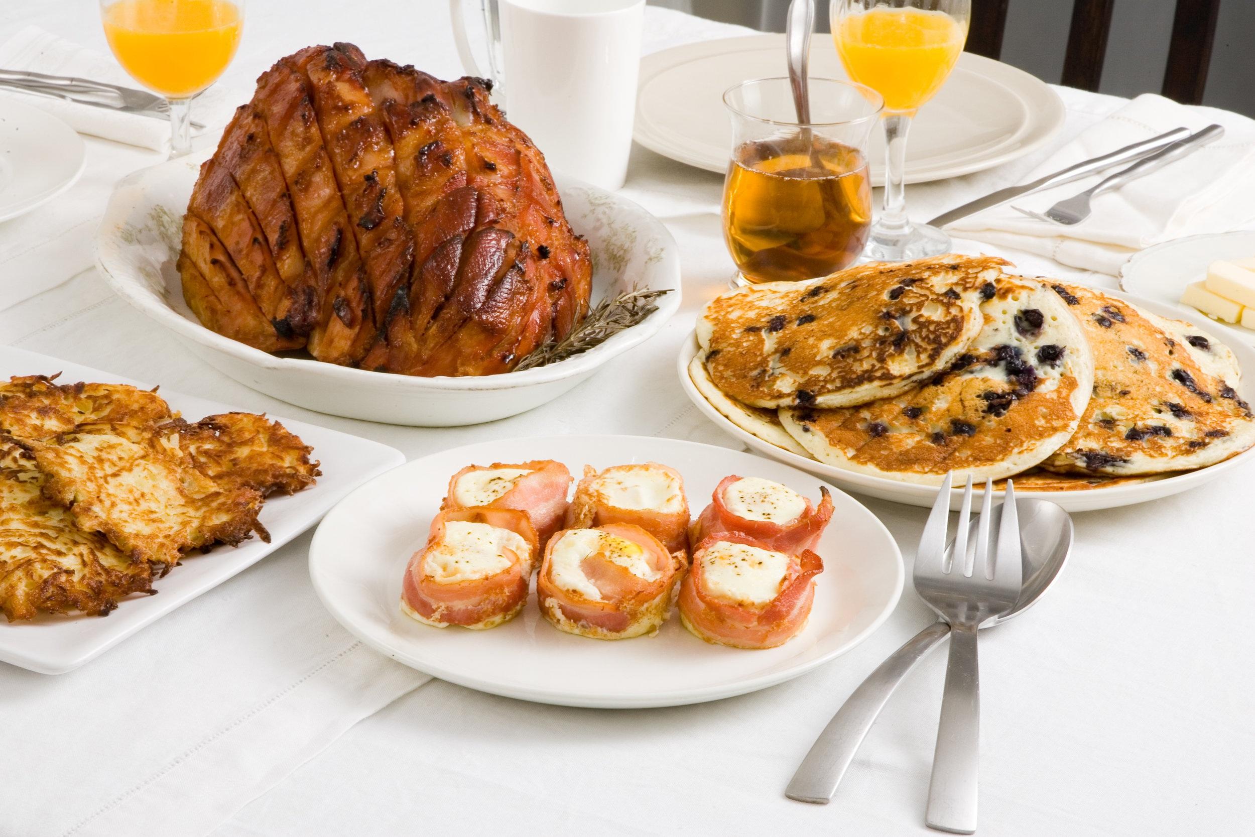 Bone-in ham with balsamic honey glaze.jpg