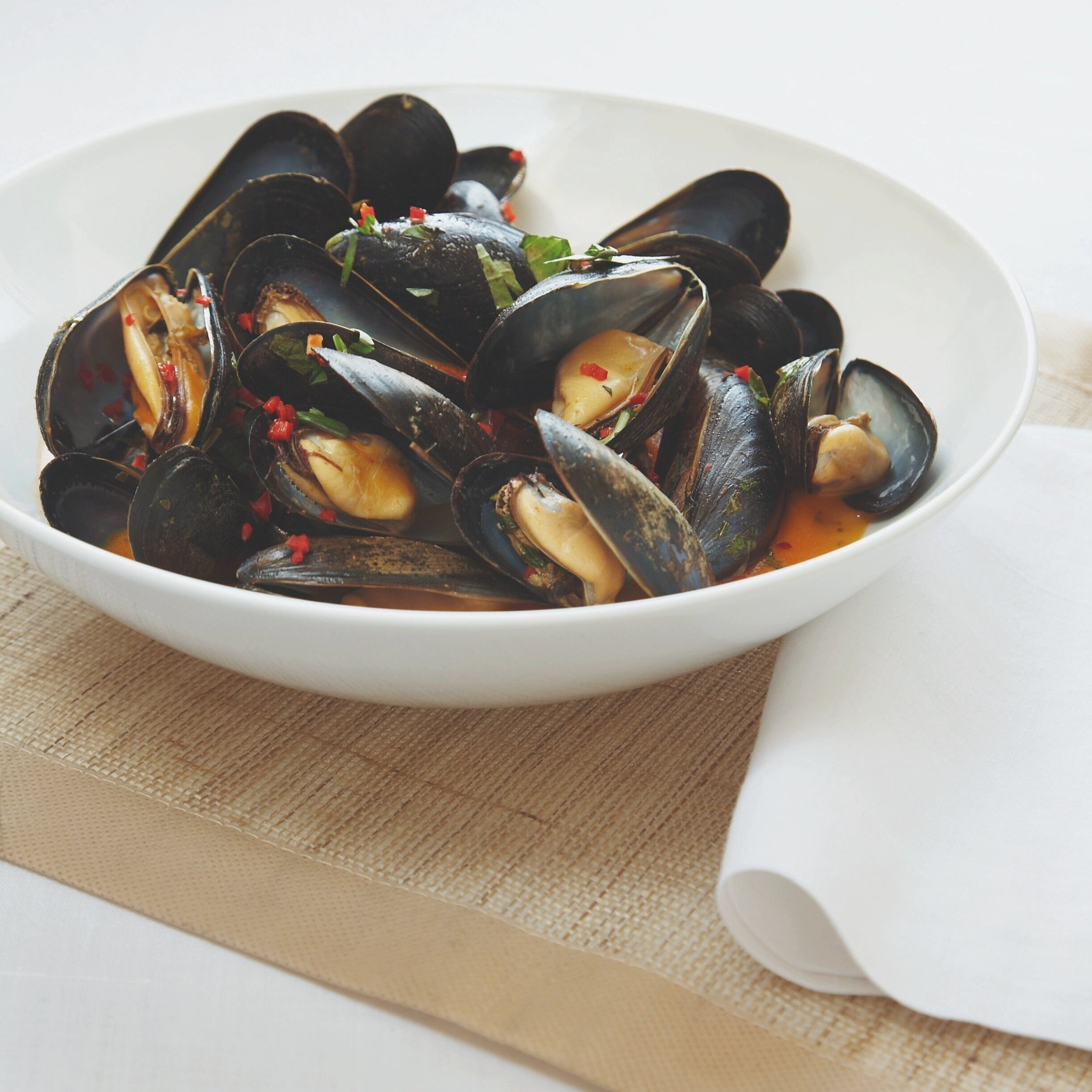 Coconut steamed mussels with lemongrass and red curry