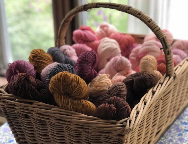 Basket-of-Olann-gra-yarn_4028.jpg