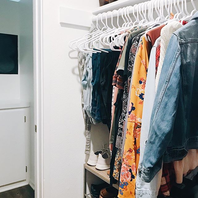 """""""How much clothing should I have?"""" is the wrong question. ⠀⠀⠀⠀⠀⠀⠀⠀⠀ The right question is: ⠀⠀⠀⠀⠀⠀⠀⠀⠀ Do I wear all my clothing? OR Do I feel good in all my clothing? OR Do I even know what I feel good in? OR Do I spend money on pieces that I actually end up wearing? OR Do I still have tags on my clothes? OR Do I get bored easily and look to my clothes as a source of entertainment? OR Am I trying to dress like someone I'm not? OR Am I trying to dress for someone else? ⠀⠀⠀⠀⠀⠀⠀⠀⠀ Having """"less than 50 pieces of clothing"""" is a fun challenge but it doesn't answer any of the real questions that will get you to an ACTUAL minimalist wardrobe. ⠀⠀⠀⠀⠀⠀⠀⠀⠀ Let's get to the bottom of this. #thatnostufflife"""