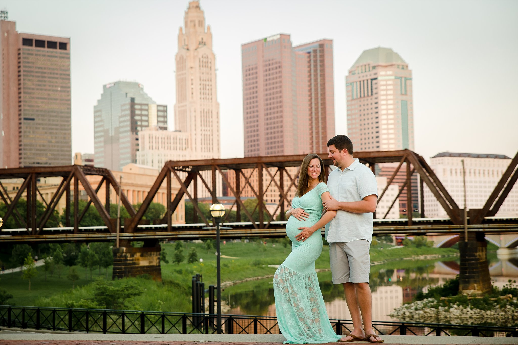 Maternity Photographer in Columbus, Ohio