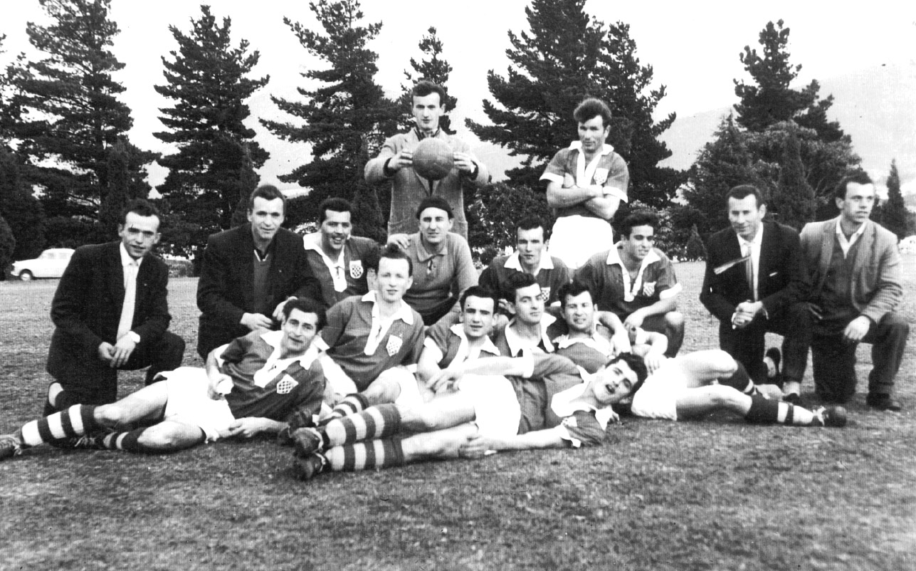 Croatia-Hobart Soccer Club(Glenorchy Knights)-1959- - (http://www.glenorchyknights.com)