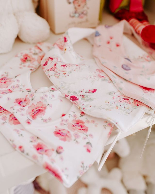 The most beautiful floral bibs from @Toshi - they're all beautiful we think you'll have a hard time choosing just one !