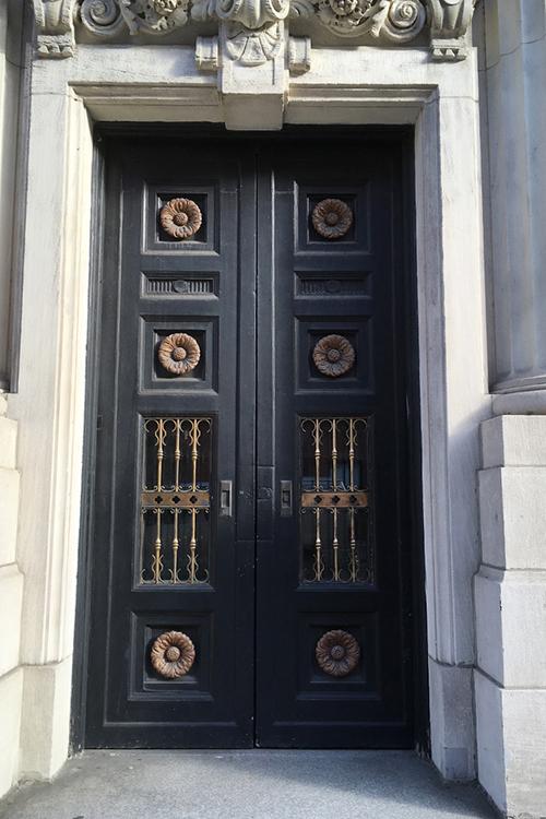 materials-conservation-linode-Entry-Door_0000_Entry+Door+before.jpg