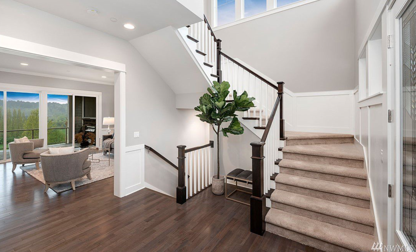 Beautiful entry way featuring modern design and welcoming views!