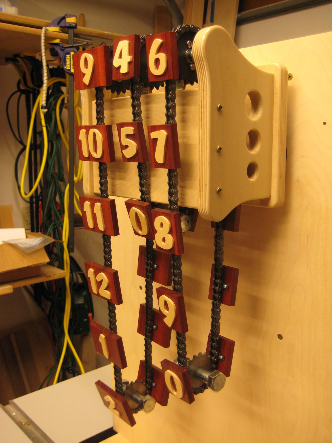 ChainClock-8.3-50.jpg