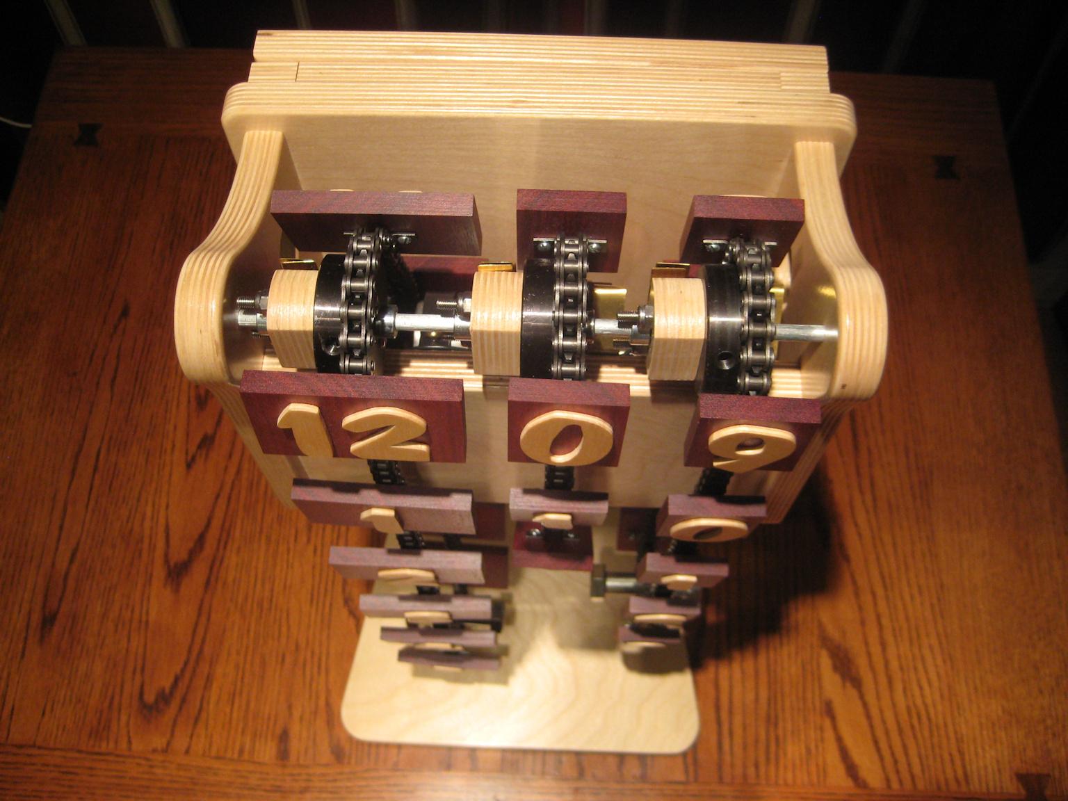 ChainClock-13.7-50.jpg