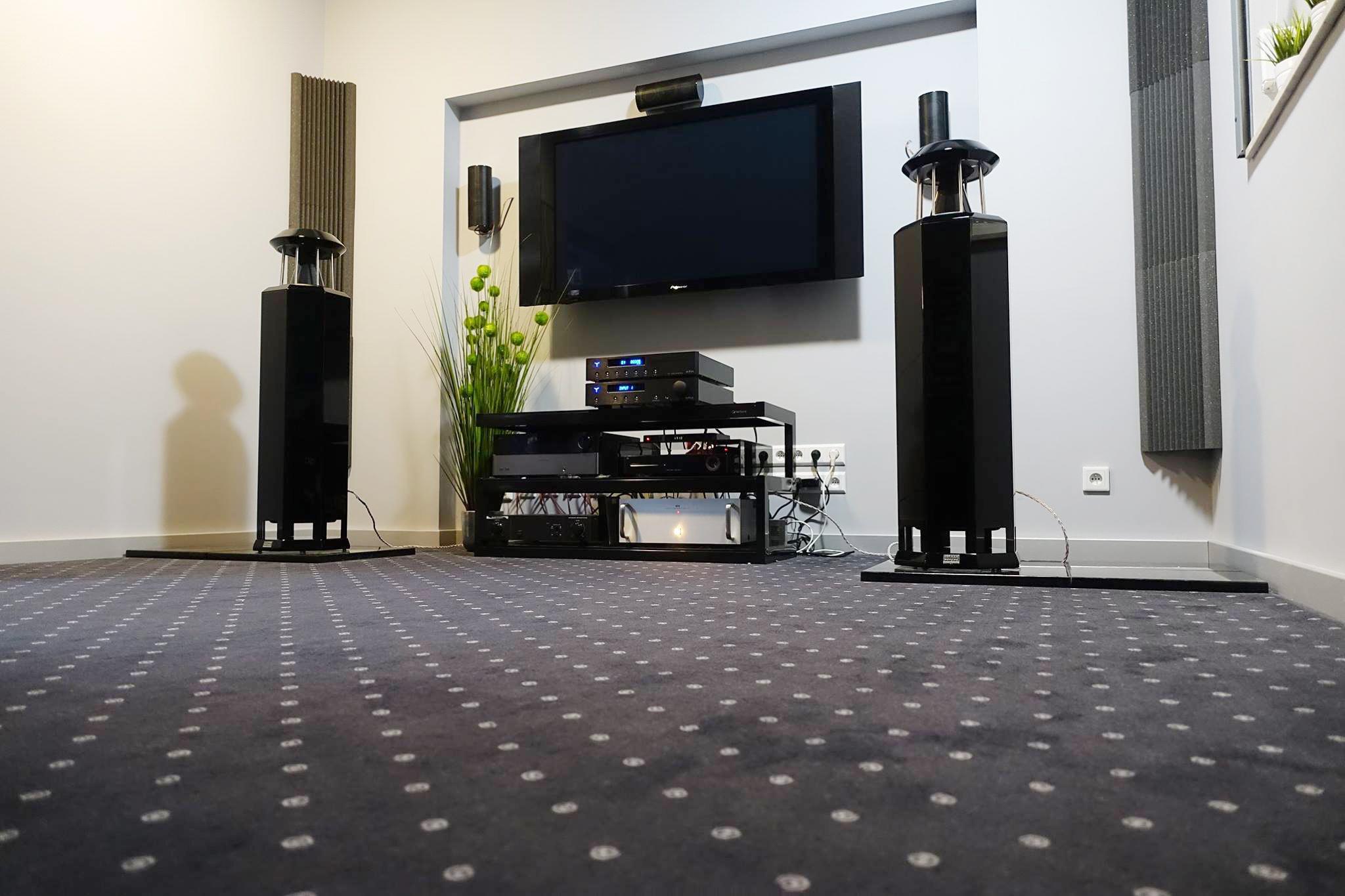 HRS-130 loudspeakers | Audio Trendt Showroom, Poland, 2015