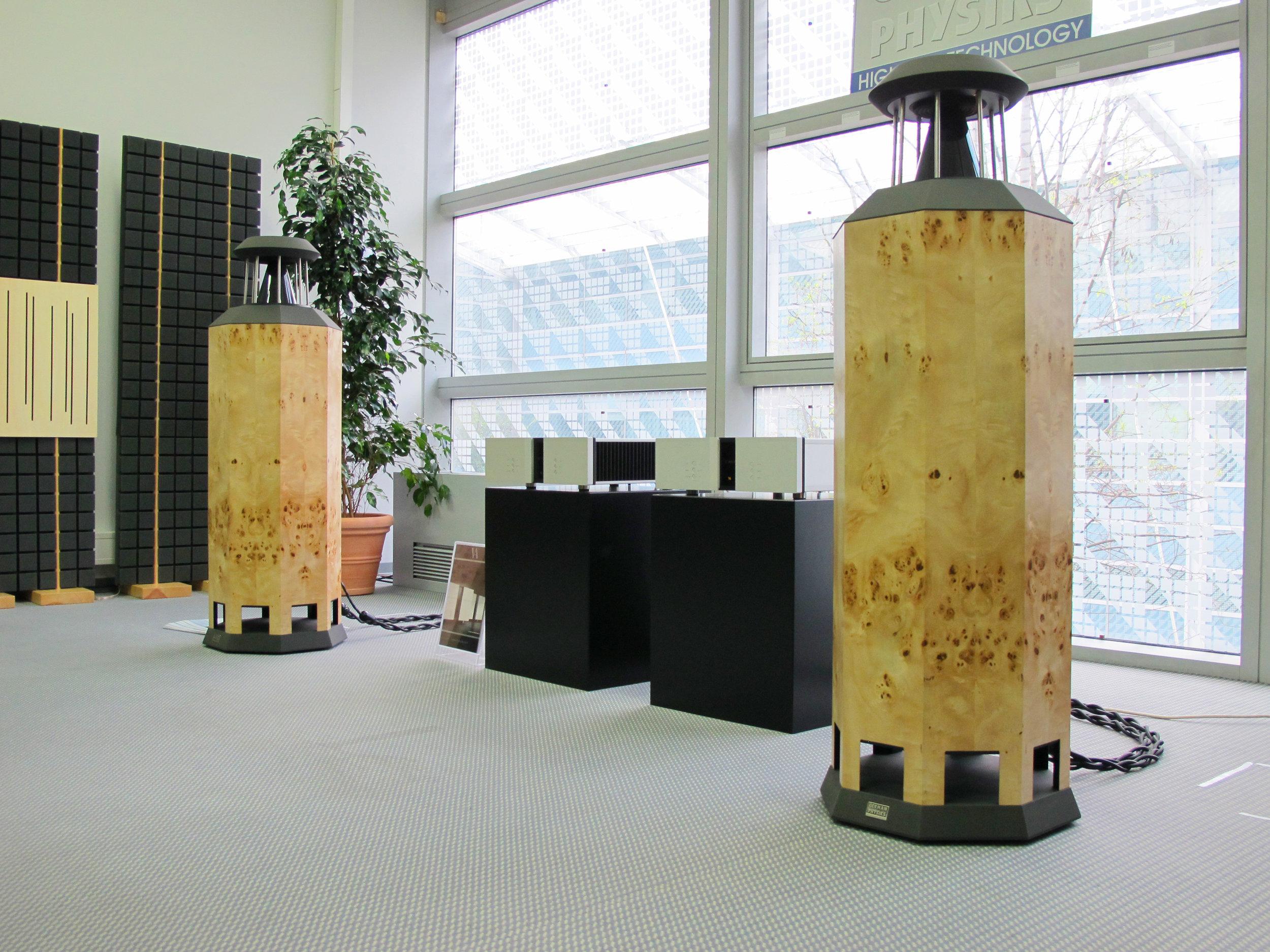 Borderland MK IV loudspeakers in mappa burl | Munich Hi-Fi Show 2010, Germany
