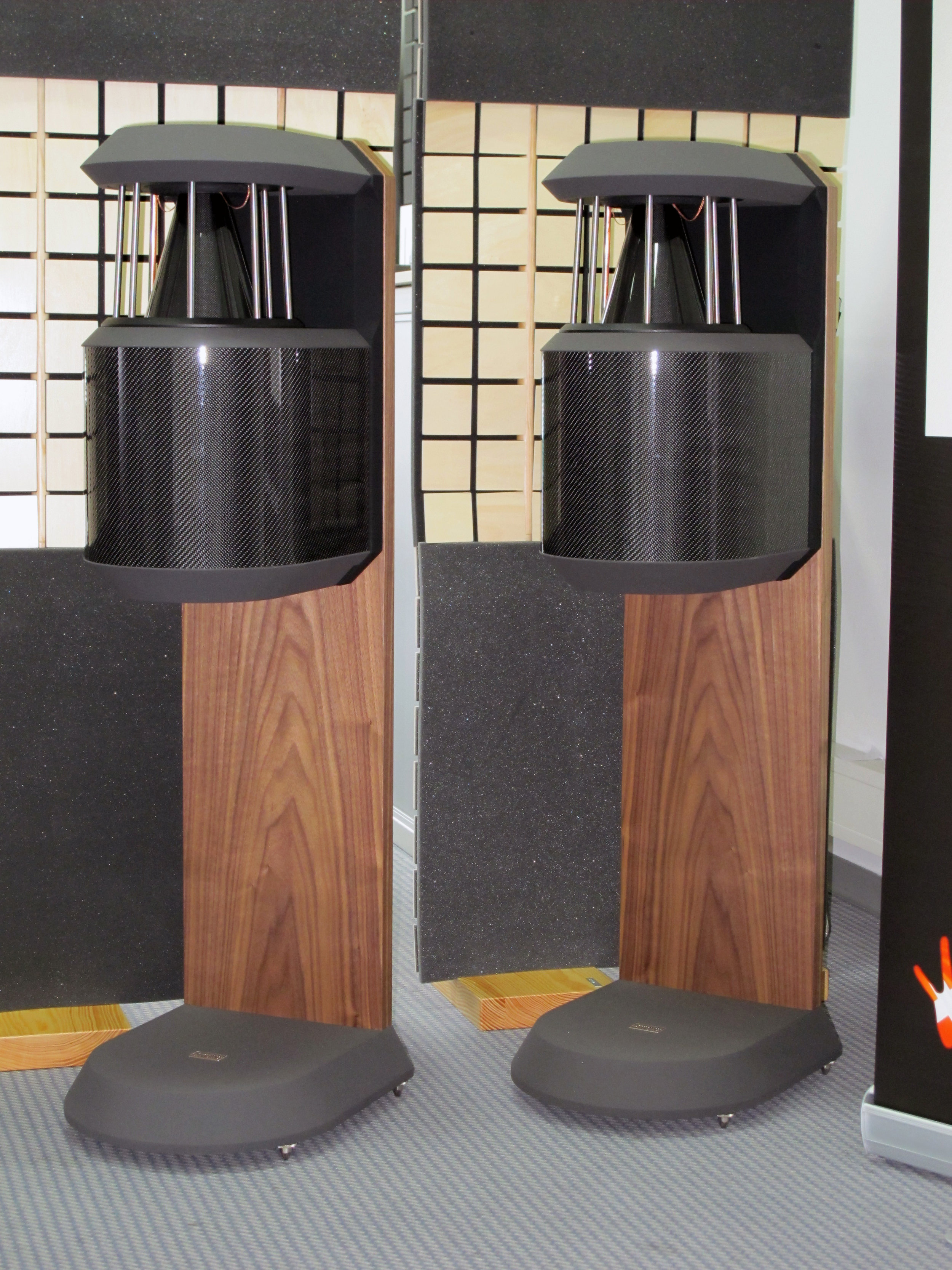 PQS-100 Plus loudspeakers | Munich Hi-Fi Show 2010, Germany